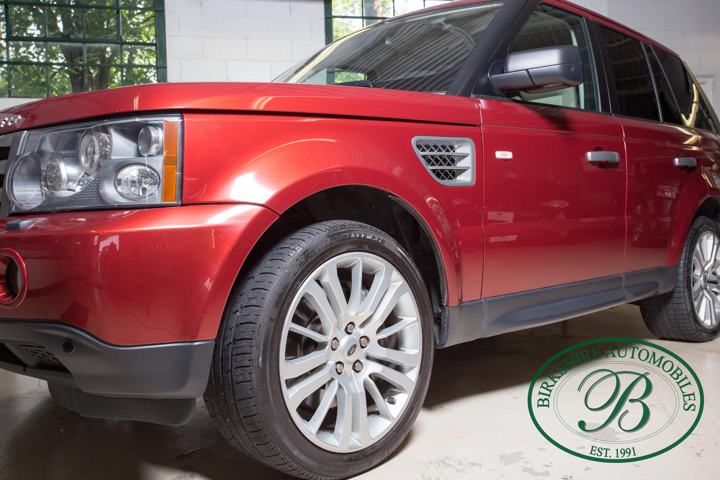Birkshire Automobiles 2009 Range Rover Burgundy-37.jpg