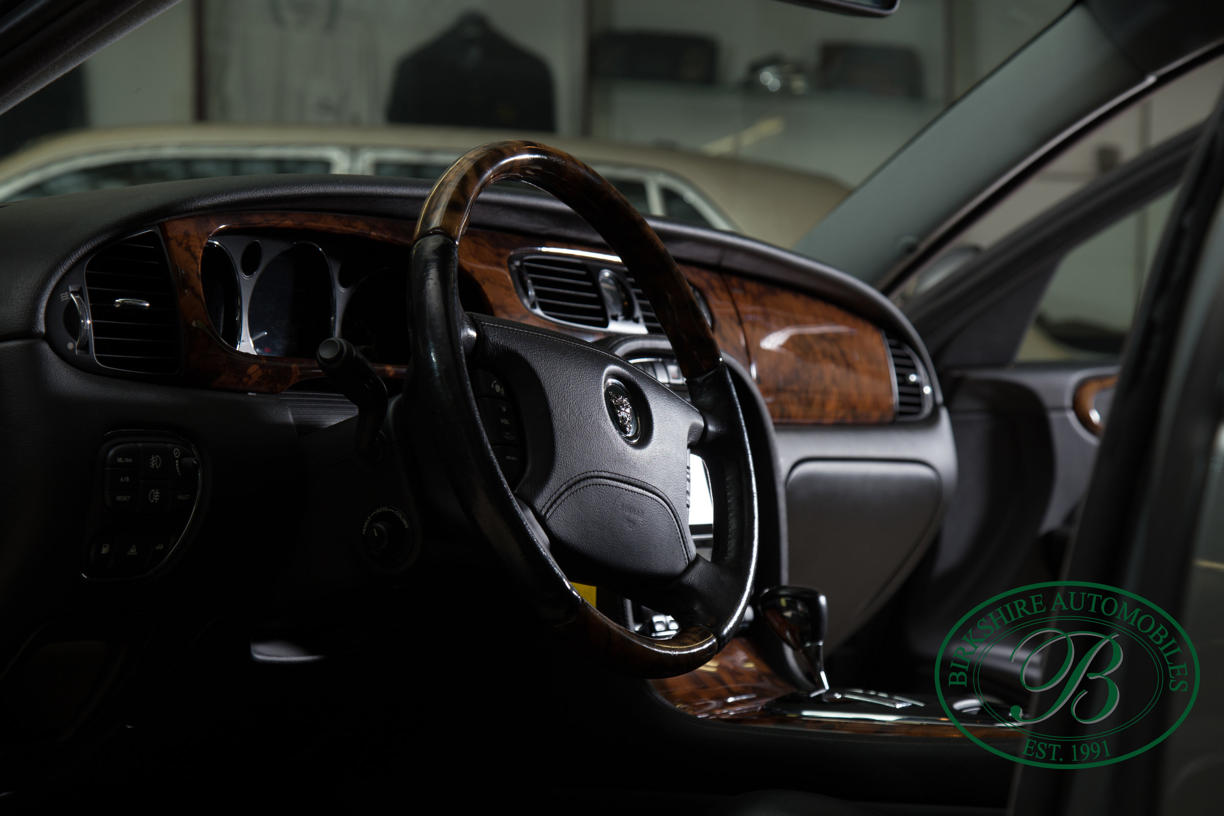 Birkshire Automobiles 2006 Jaguar XJ^-63.jpg