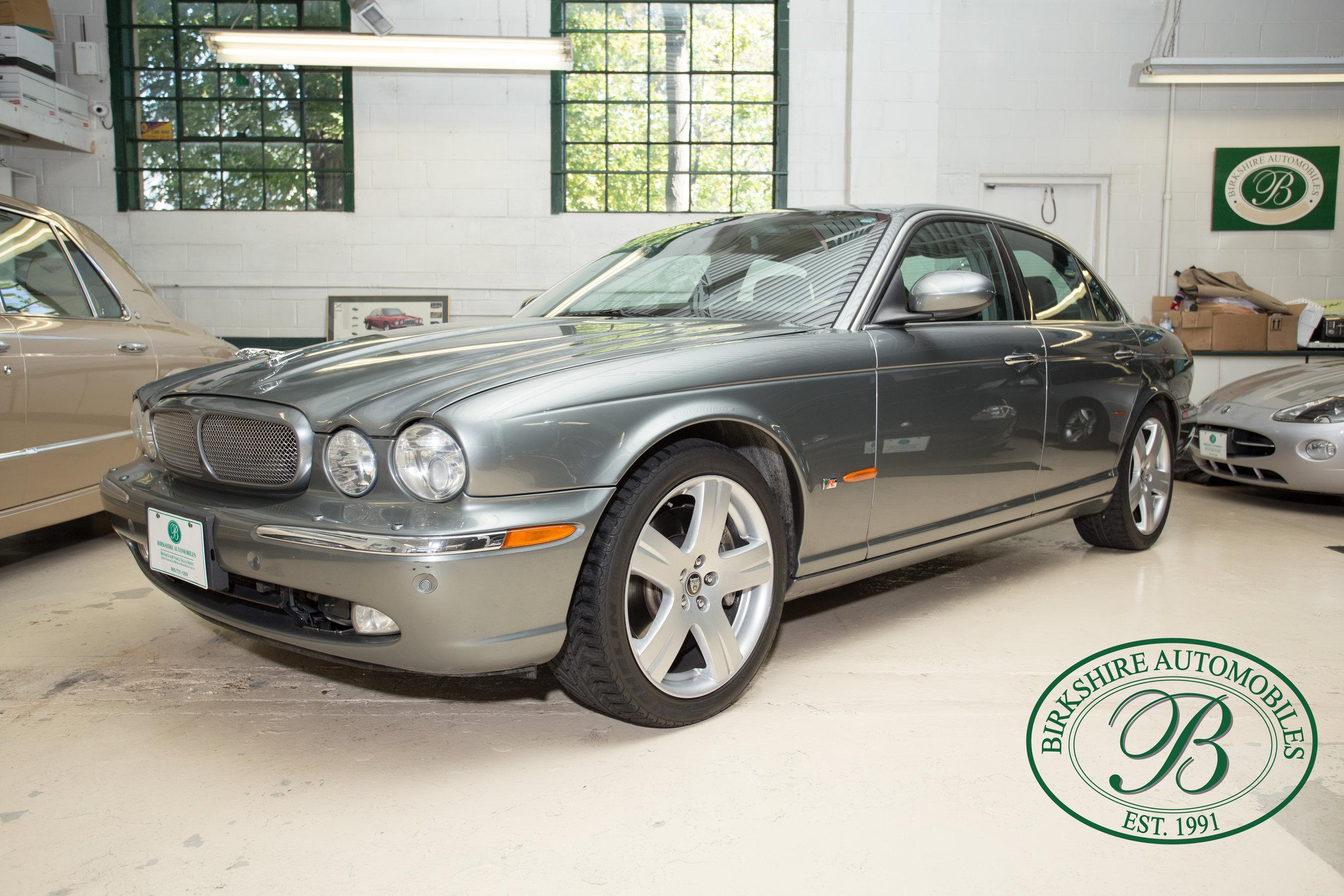 Birkshire Automobiles 2006 Jaguar XJ^-15.jpg