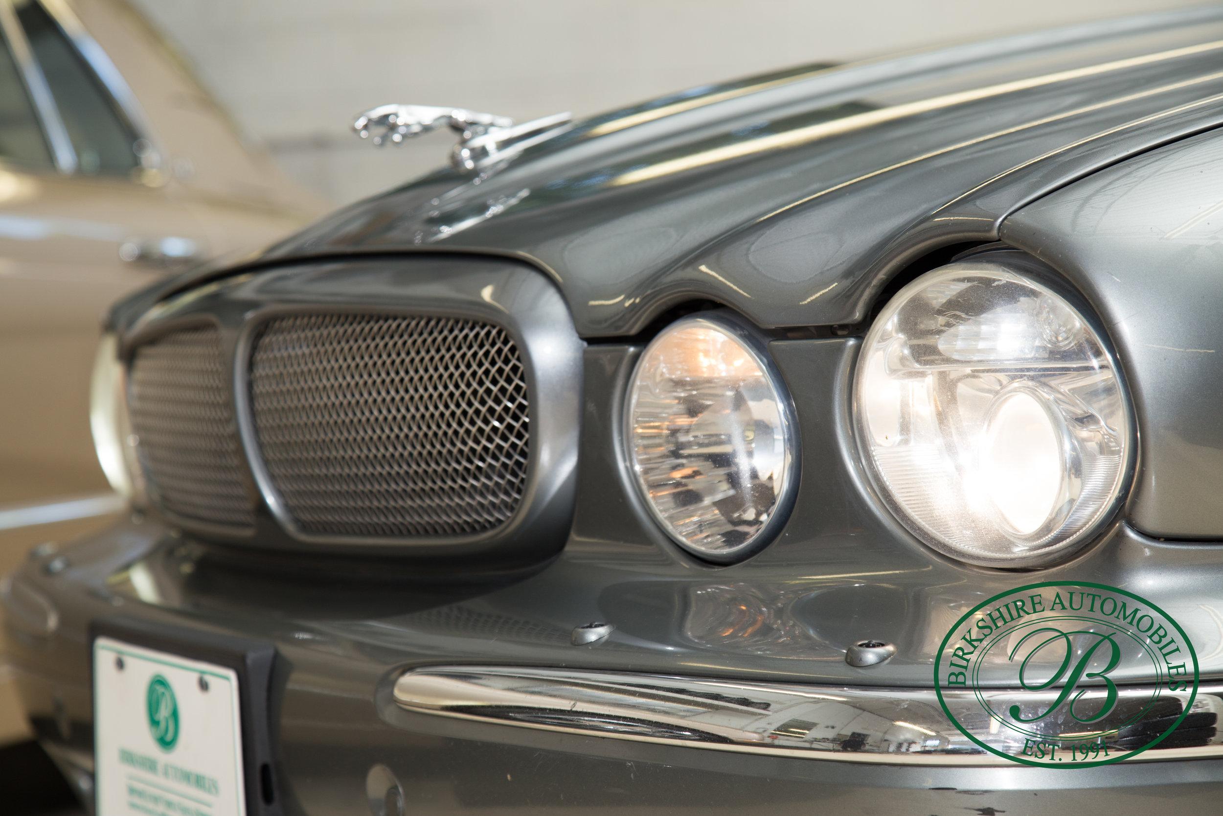 Birkshire Automobiles 2006 Jaguar XJ^-54.jpg