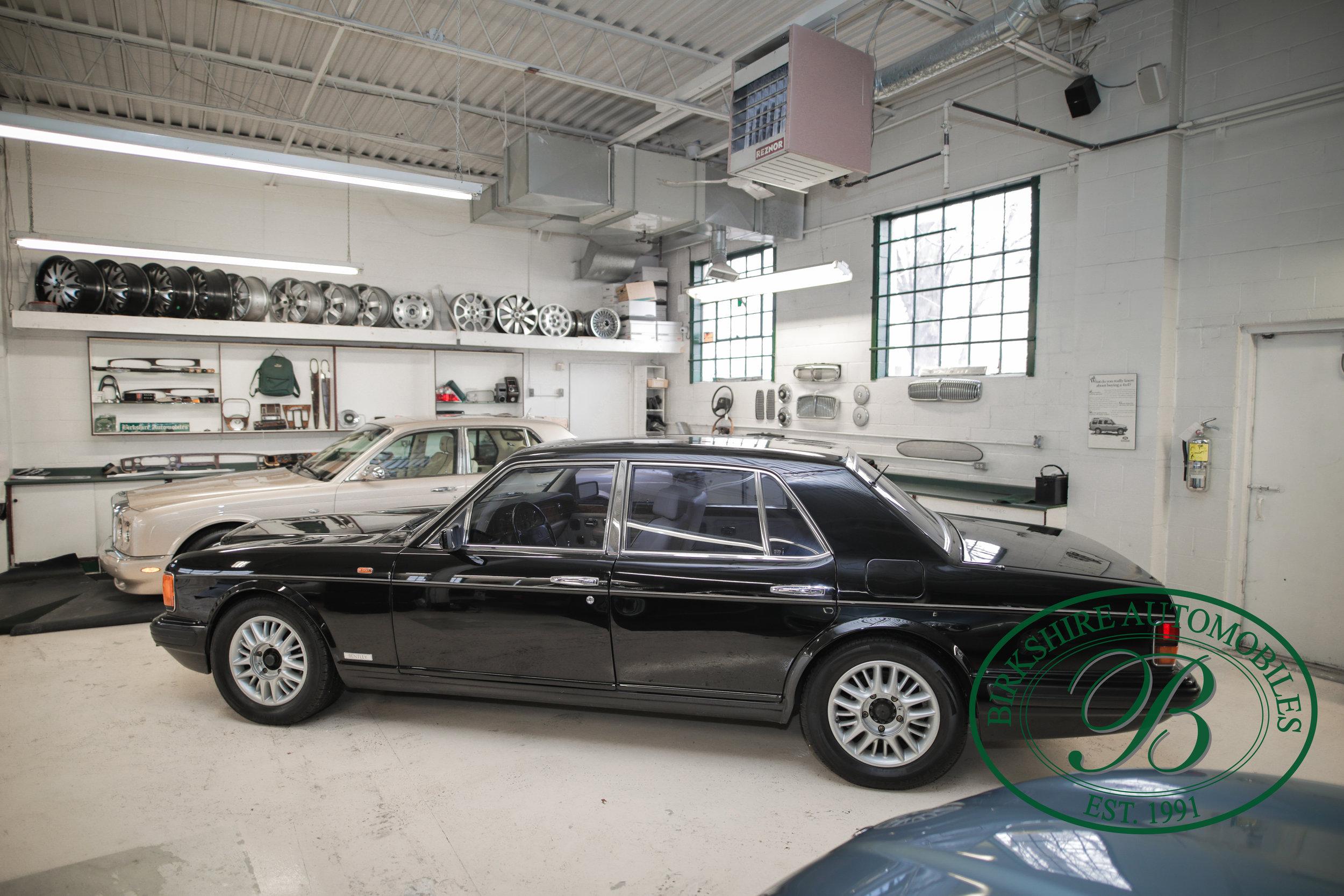 Birkshire 1997 Bentley Brooklands Turbo-1 web (33).jpg