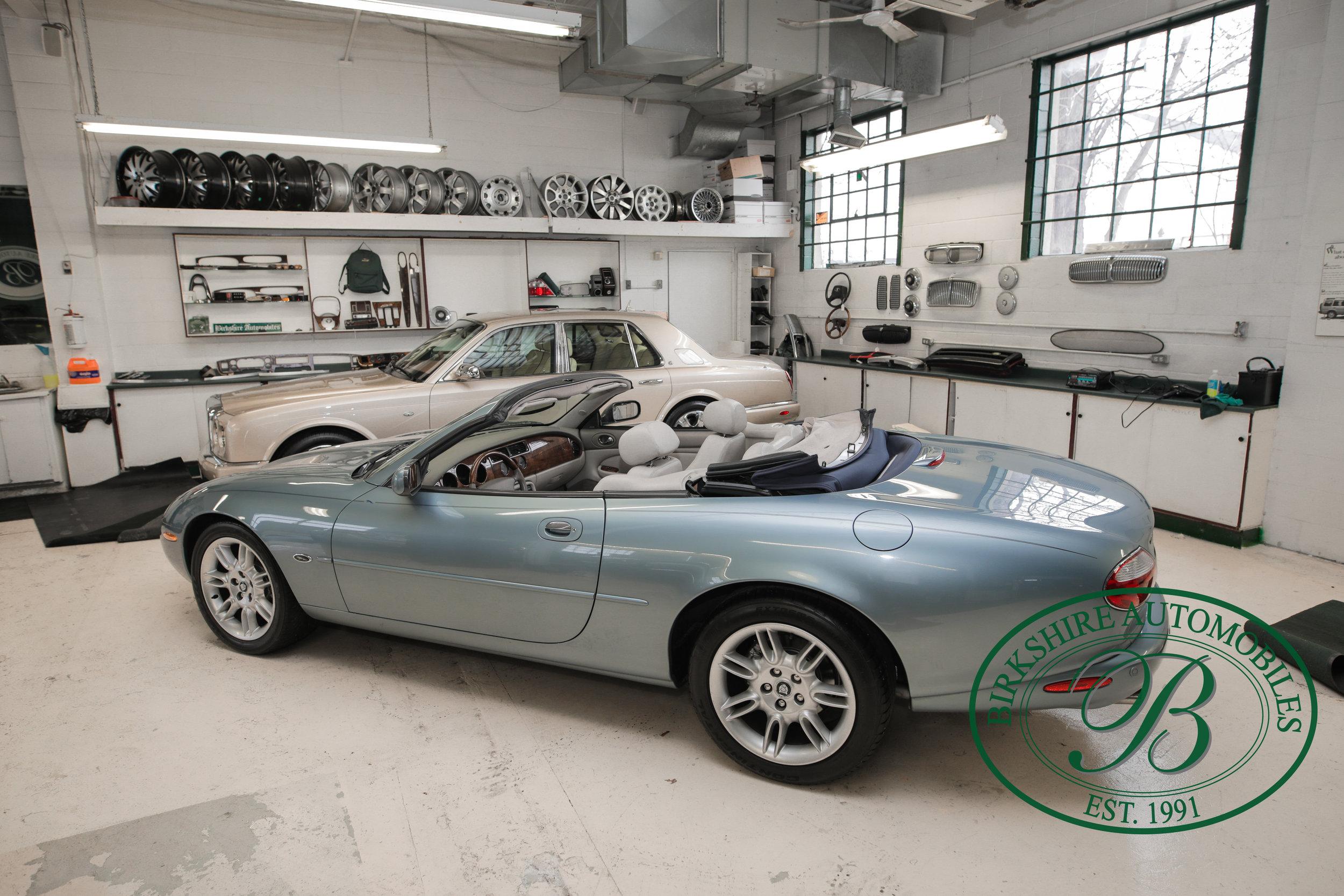 Birkshire 2002 Jaguar XK Convertible-22.jpg