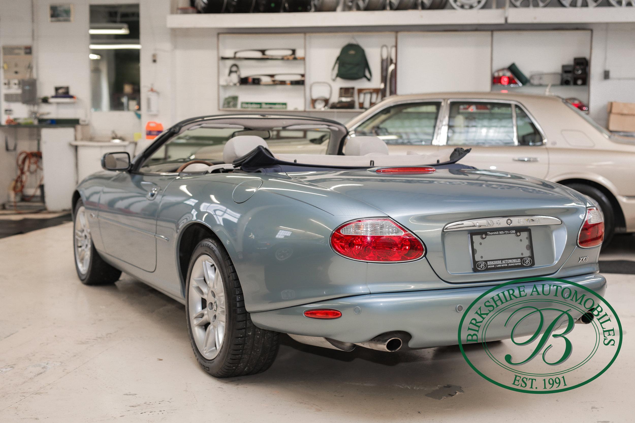 Birkshire 2002 Jaguar XK Convertible-26.jpg