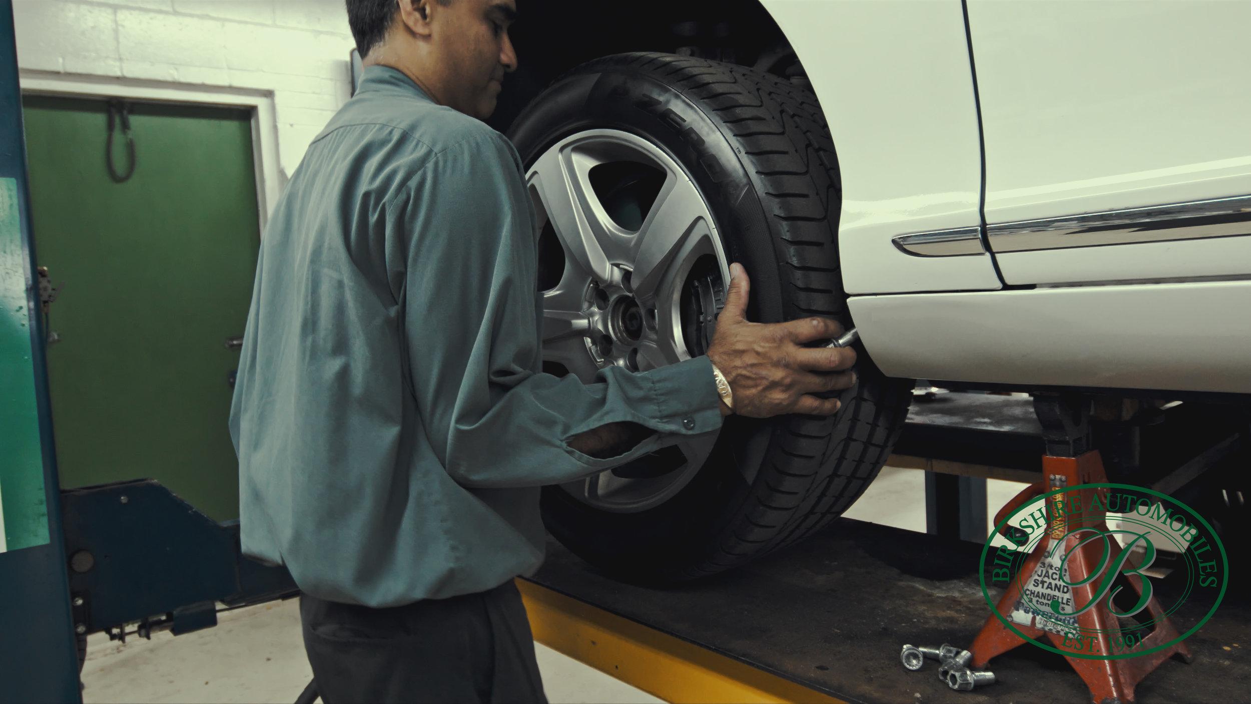 Birkshire Automobiles Garage-113.jpg