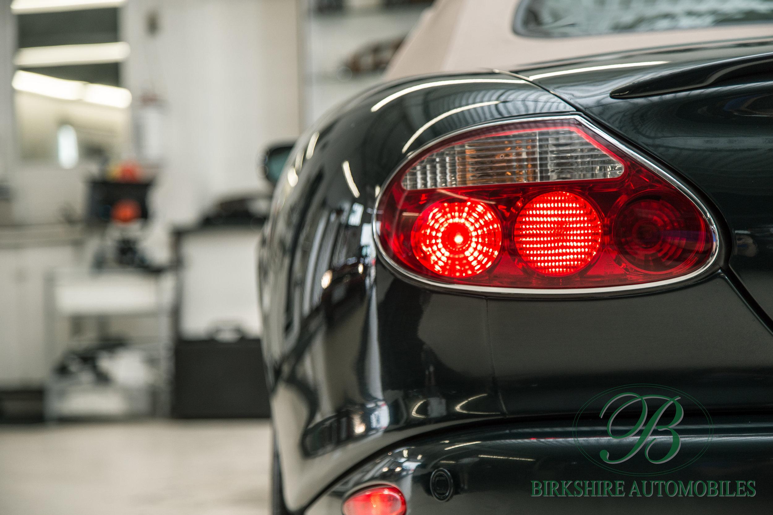Birkshire Automobiles-2001 Jaguar XKR Convertible (8).jpg