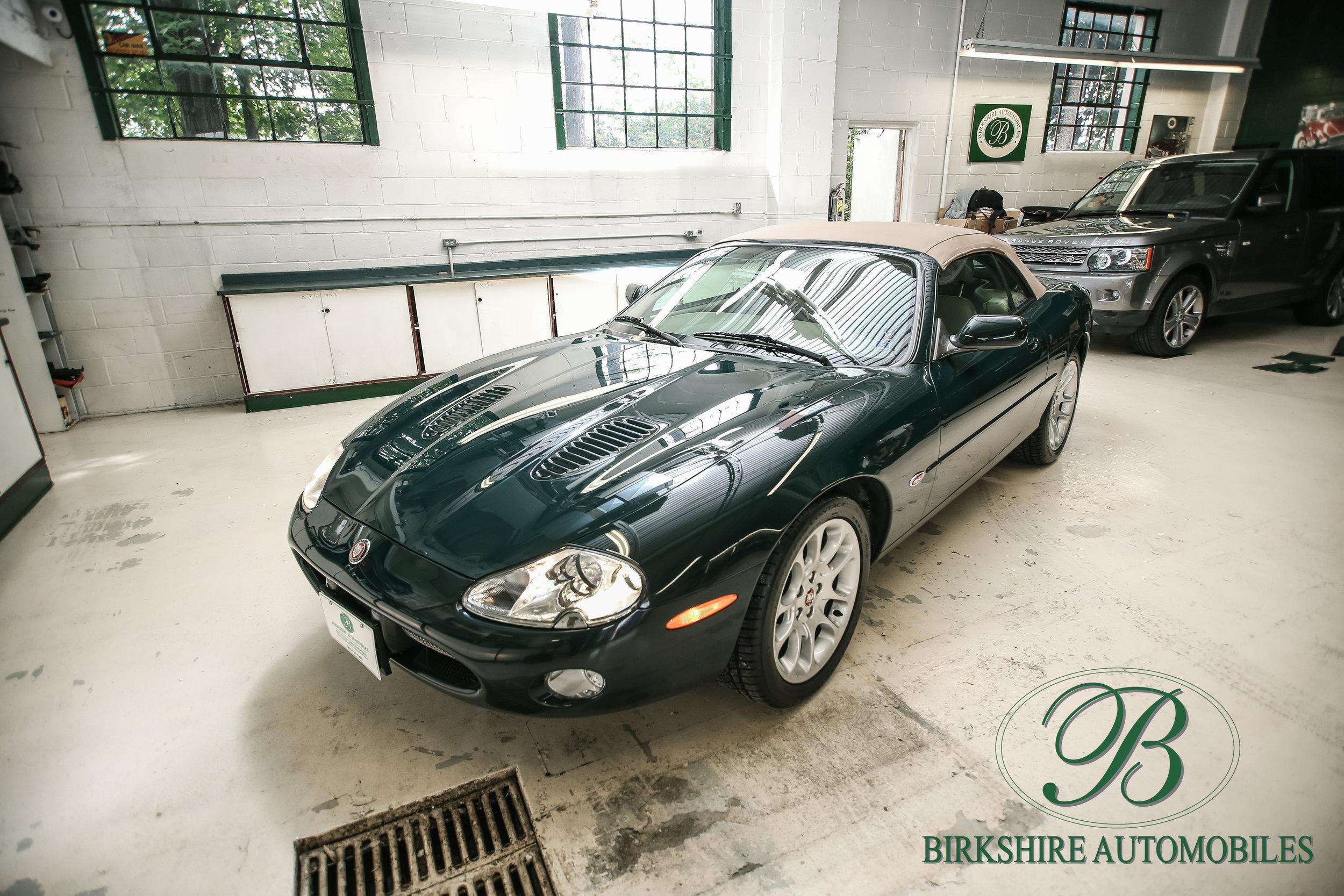 Birkshire Automobiles-2001 Jaguar XKR Convertible (17).jpg