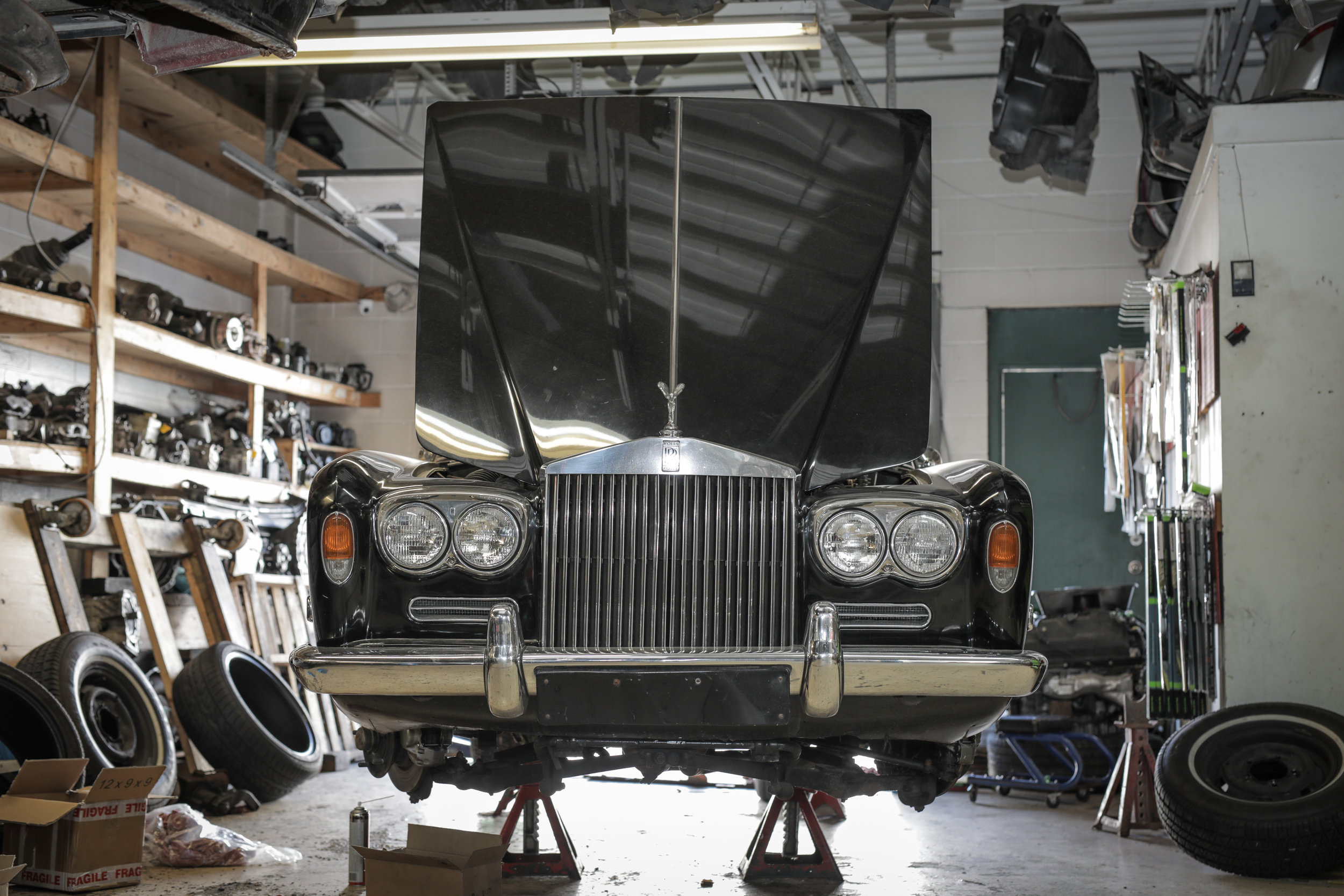 Birkshire Automobiles - 1971 Rolls Royce Service (18).jpg