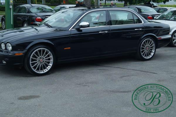 Jaguar XJ-Series Vanden Plas Birkshire Automobiles Service Department.jpg