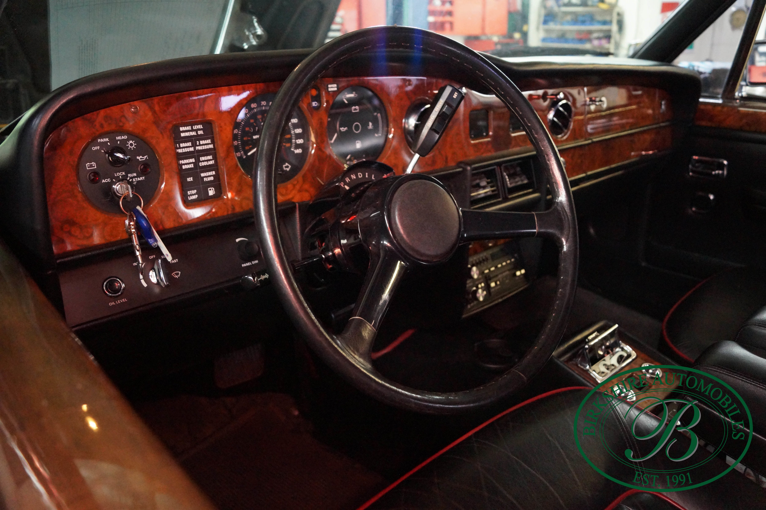 1987 Rolls Royce Silver Spur Birkshire Automobiles (11).jpg