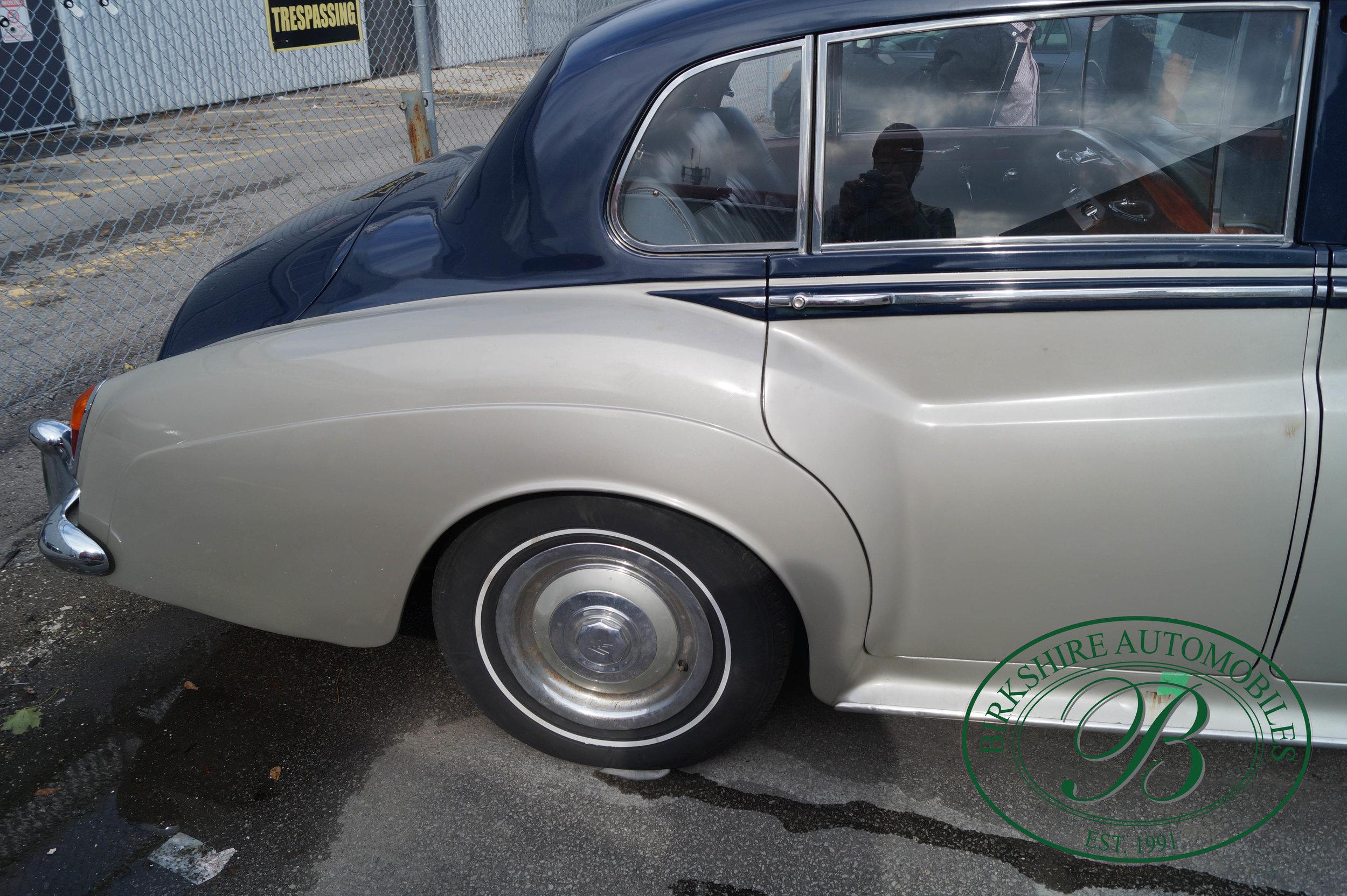 Birkshire Automobiles 1960 Rolls Royce Silver Cloud-8.jpg