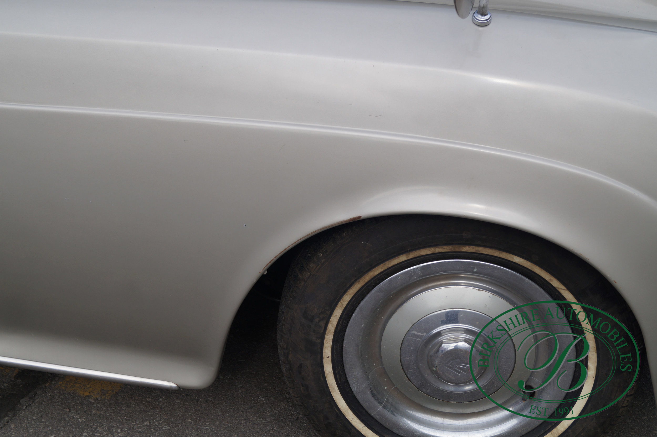 Birkshire Automobiles 1960 Rolls Royce Silver Cloud-11.jpg