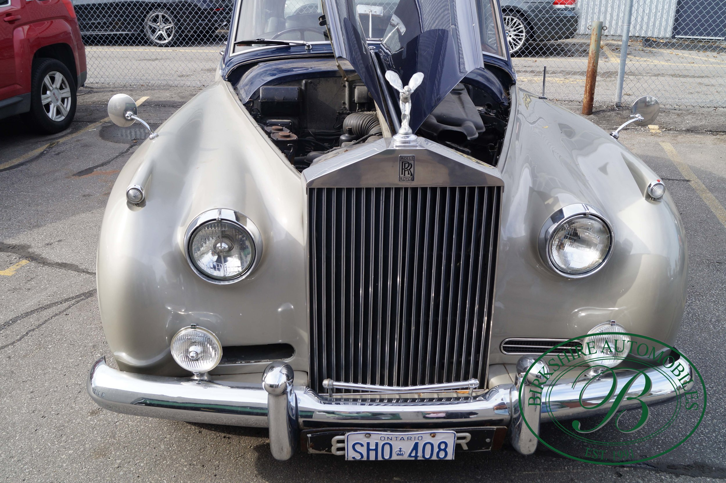 Birkshire Automobiles 1960 Rolls Royce Silver Cloud-31.jpg