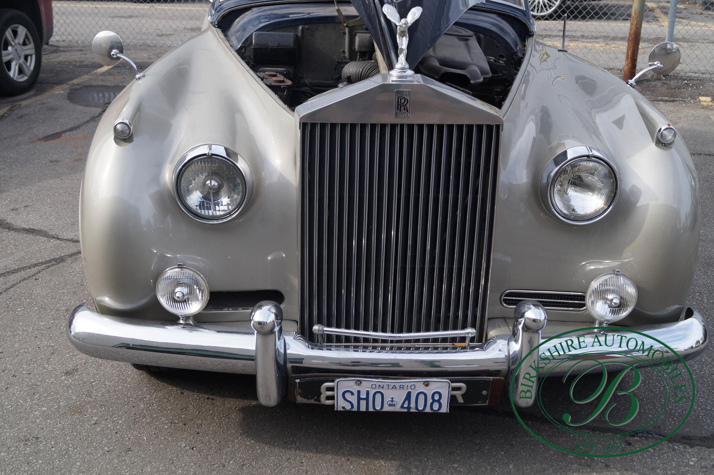 Birkshire Automobiles 1960 Rolls Royce Silver Cloud-34.jpg