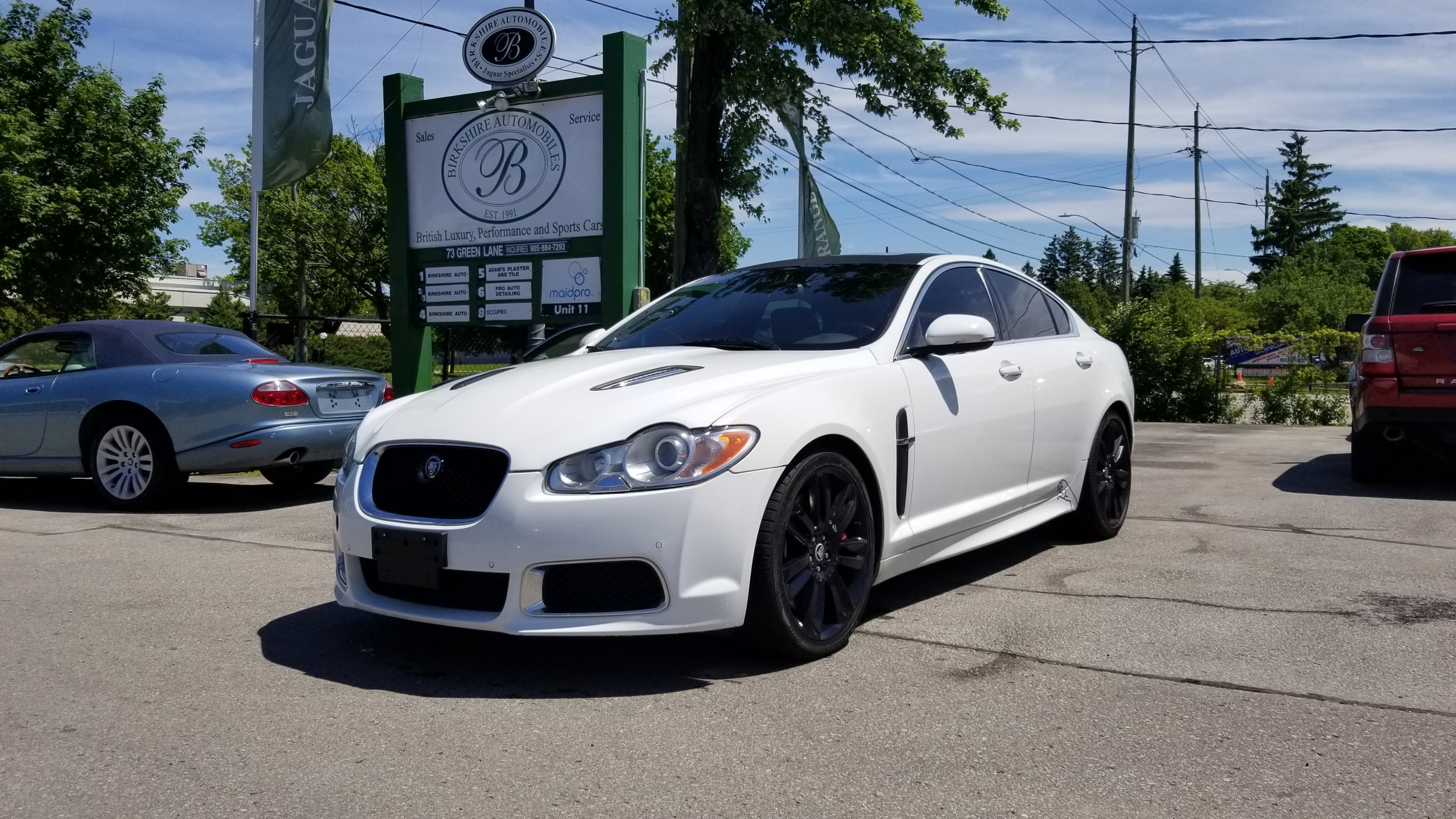 2011 Jaguar XFR - Sleek and stylish. Comes with 20