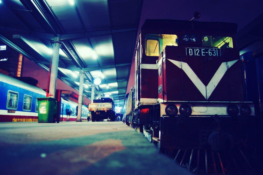 Train from Hanoi to Lao Cai (Sa Pa).