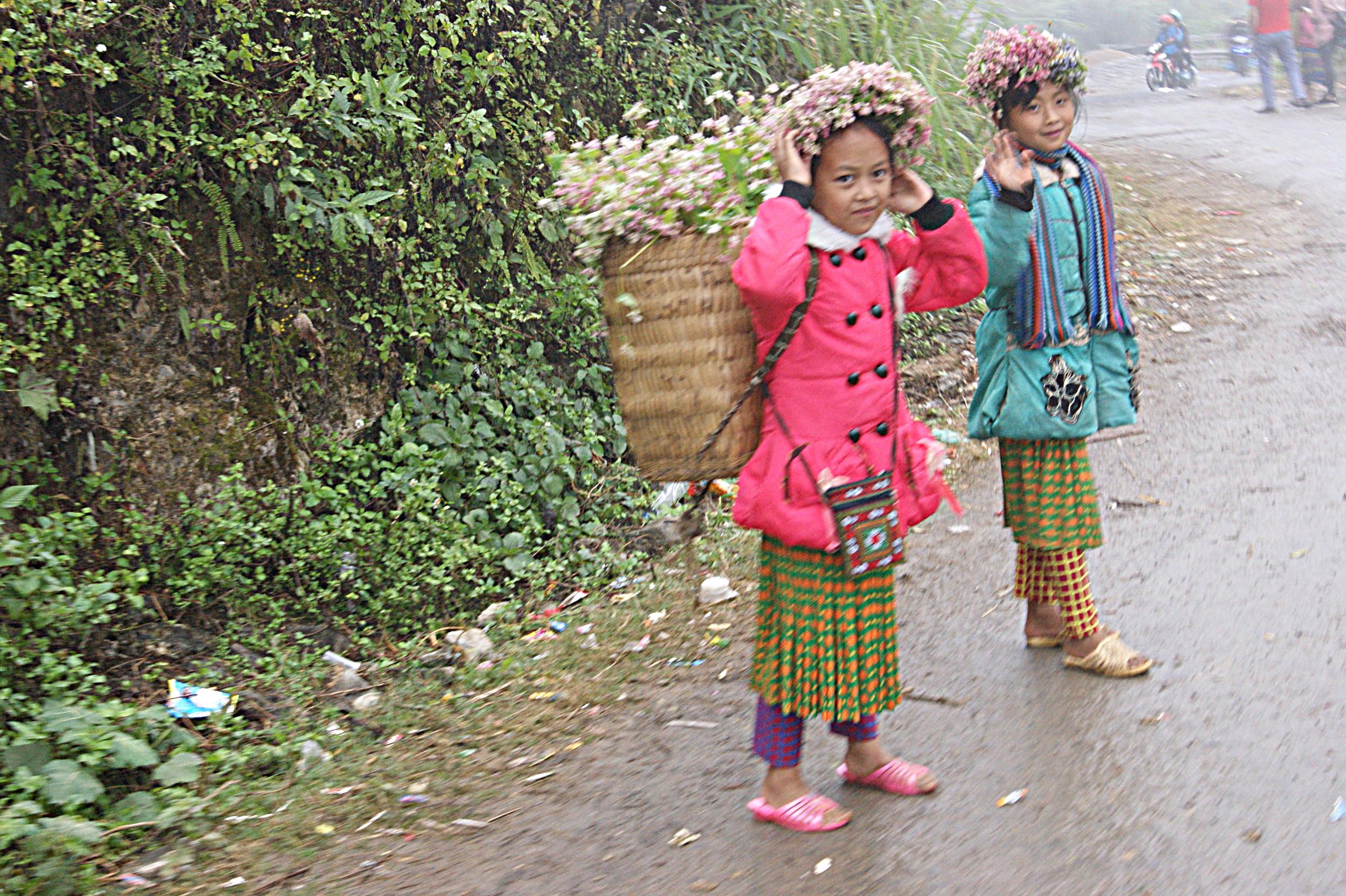 Flower girls - Ha Giang Loop.
