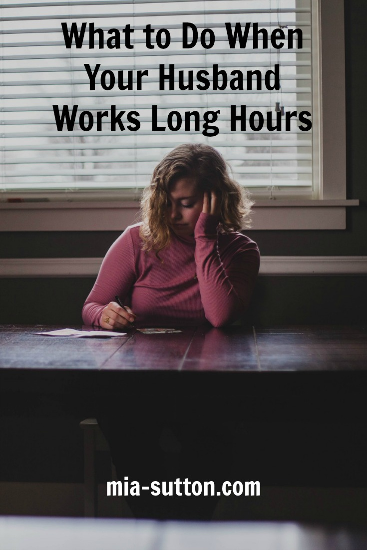 What to do when your husband works long hours | what to do when you have to parent alone | what to do when your husband always works | how to cope with spouse whose work keeps him away from home | marriage | relationships | mia-sutton.com