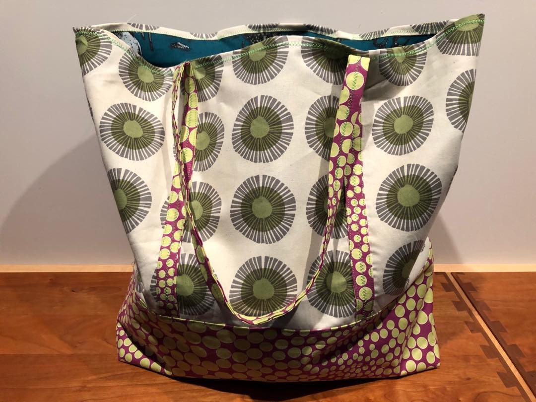 Green Daisy Wheels Bag