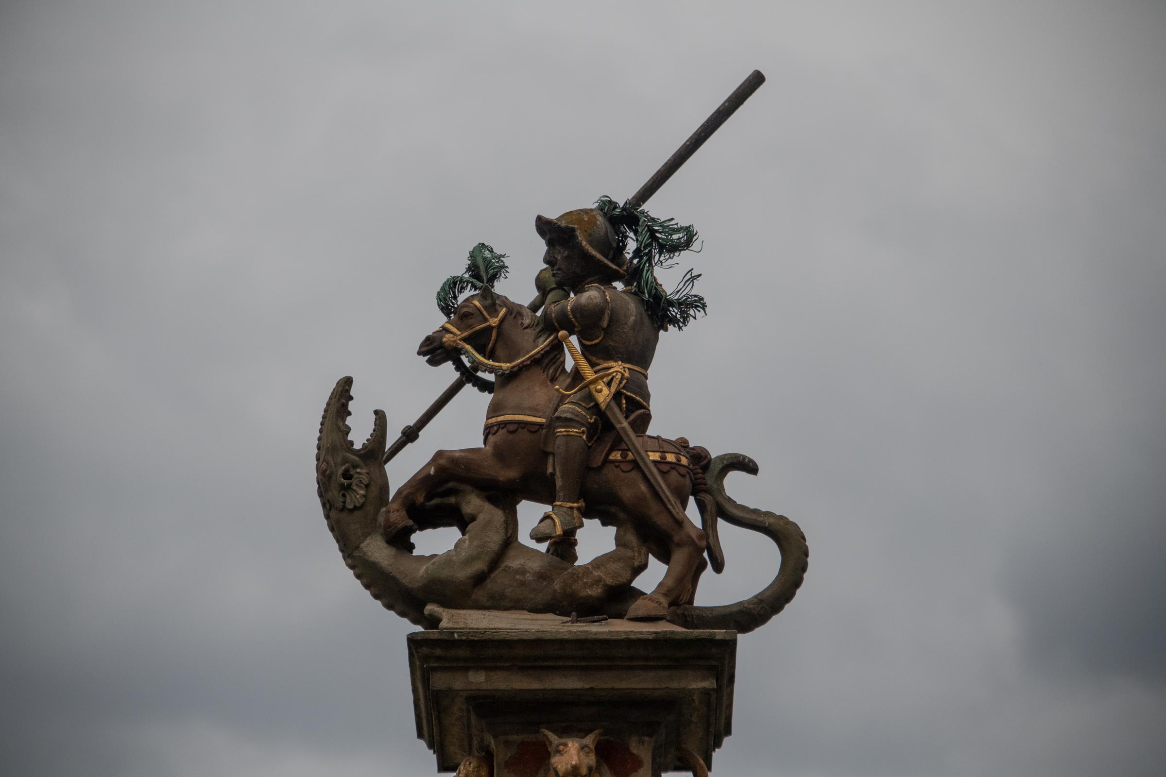 Georgsbrunnen statue