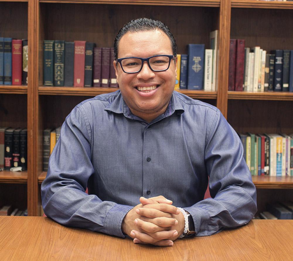 Carlos Carbajal  Ministro de Jóvenes/Familia y Predicación