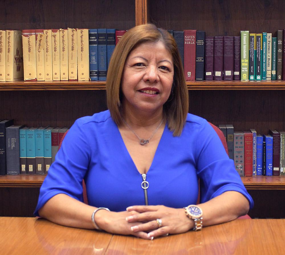 Mercy Valladares  Secretaria