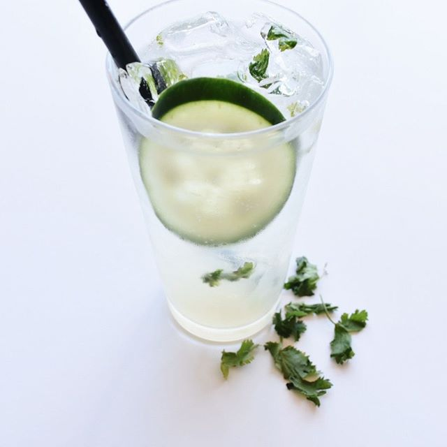 Our Cucumber Spritz is ready to get your weekend started! Come hangout and enjoy some delicious cocktails and some amazing food 🤩