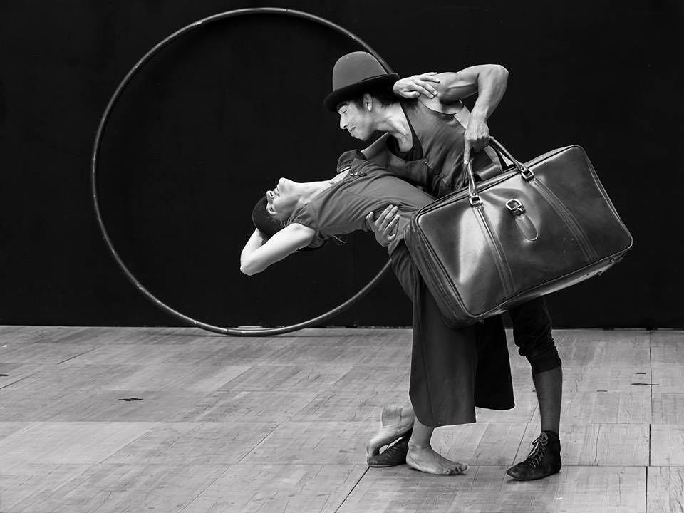 "3Cometa Circus"" en escena en ""Dinamico Festival""."