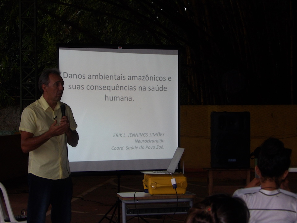 Dr. Erik Jennings' lecture at the Waldemar Maués School on June 21.