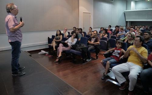 Lúcio Flávio Pinto remarking on the importance of the film.