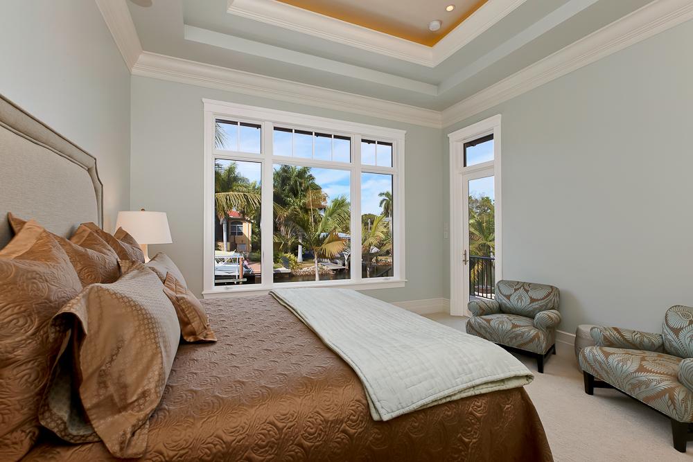 7 - Naples Boater's Dream - Master Bedroom.jpg