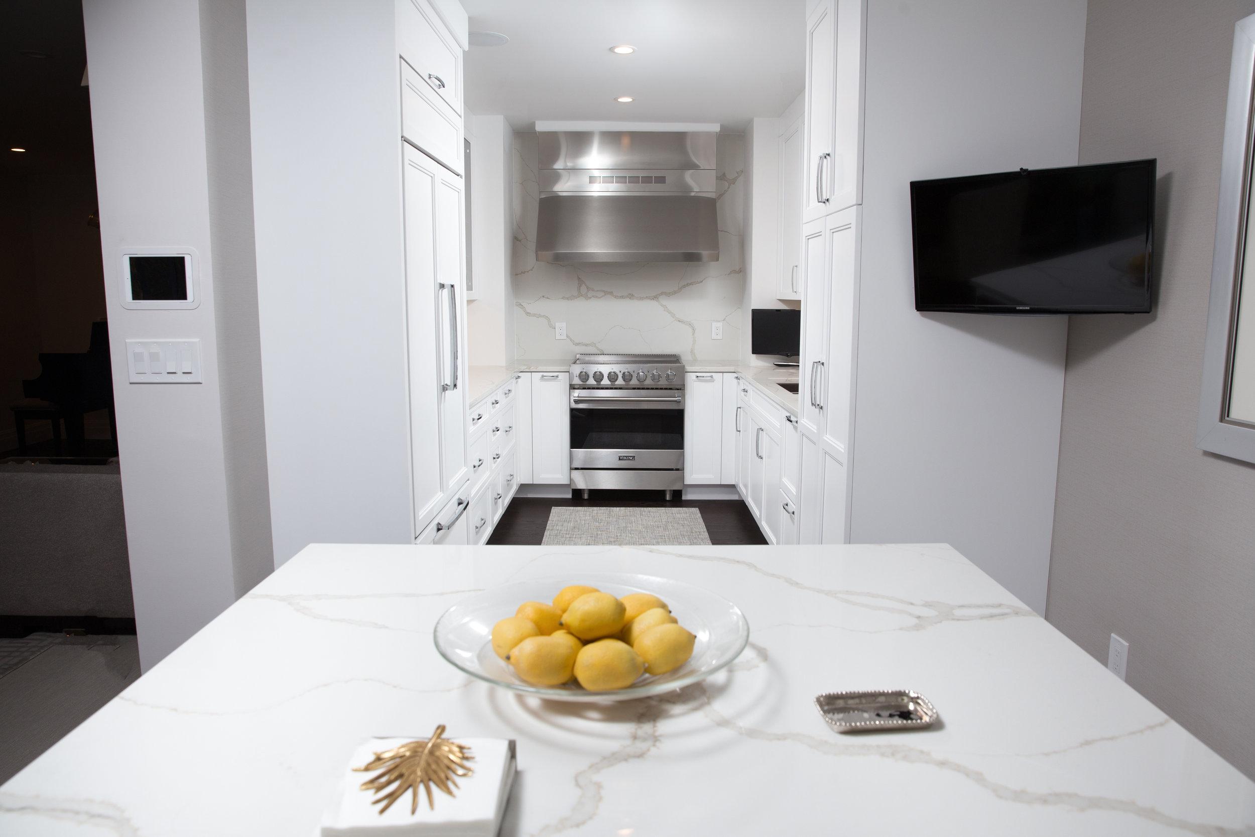 kitchen 2 angle 1.jpg