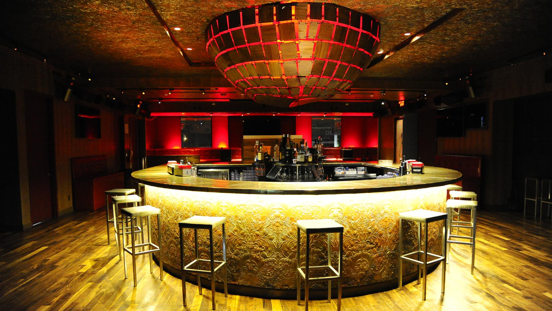 XL Nightclub  516 W42nd Street