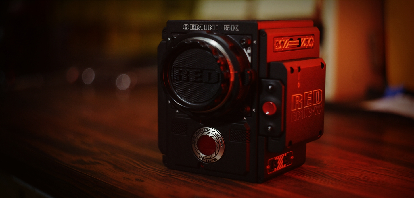 header_RED_EPIC-W_with_GEMINI_5K_S35_lifestyle-8.jpg
