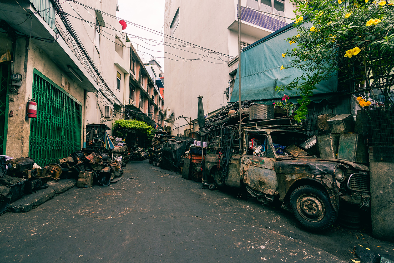 Right behind Bangkok's Chinatown
