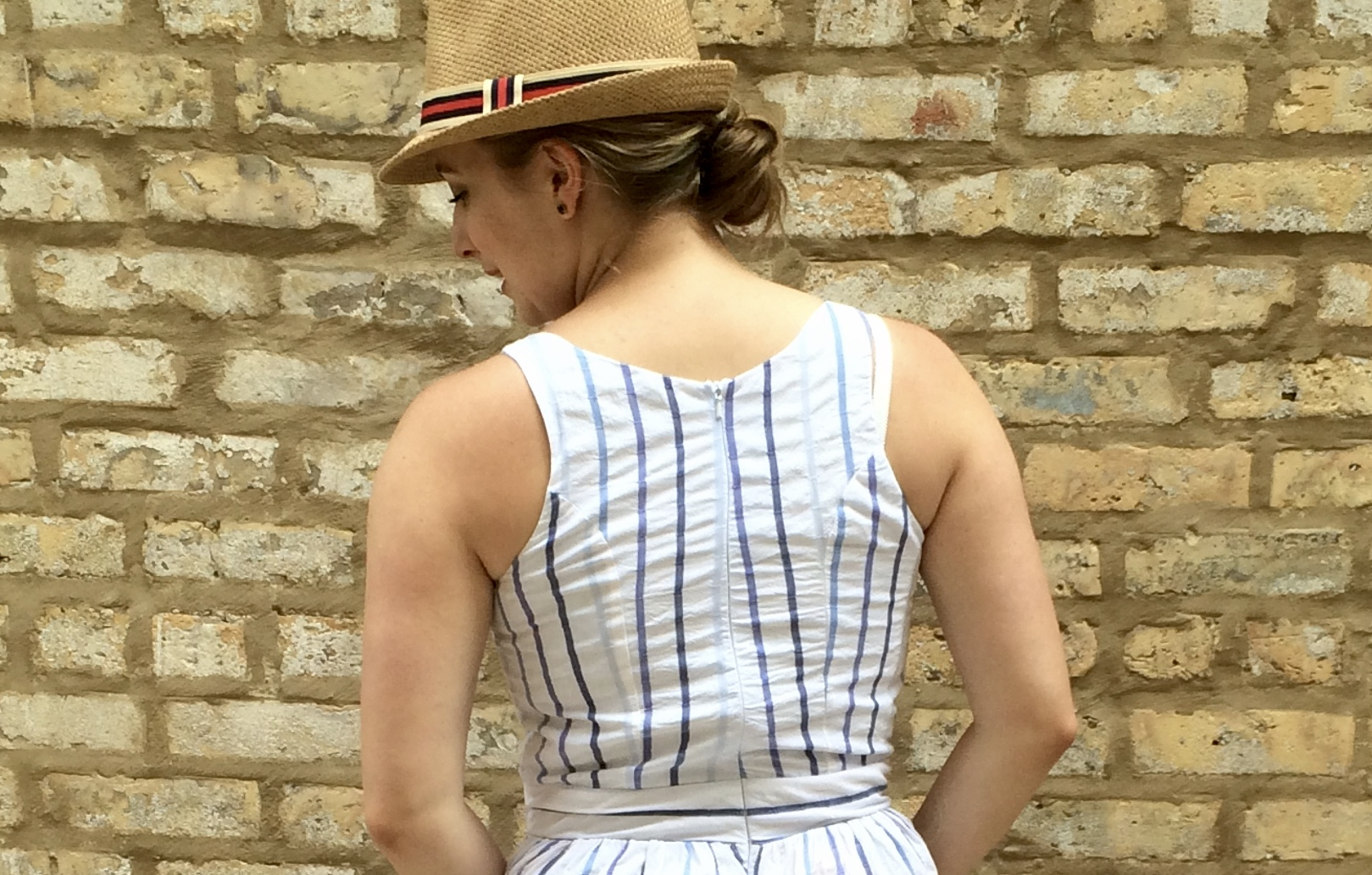 Please note the epic stripe matching happening on the waist: