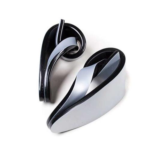 screencapture-sculpturetowear-devel-product-wave-clip-earrings.png