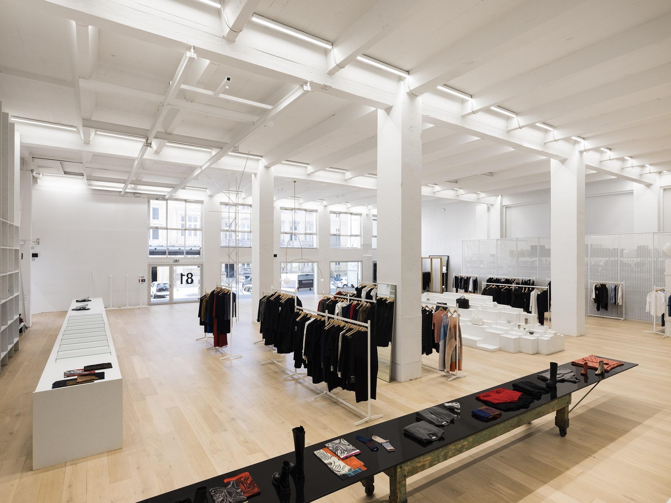 Andreas Murkudis store 2, copyright Thomas Meyer - Ostkreuz.jpg