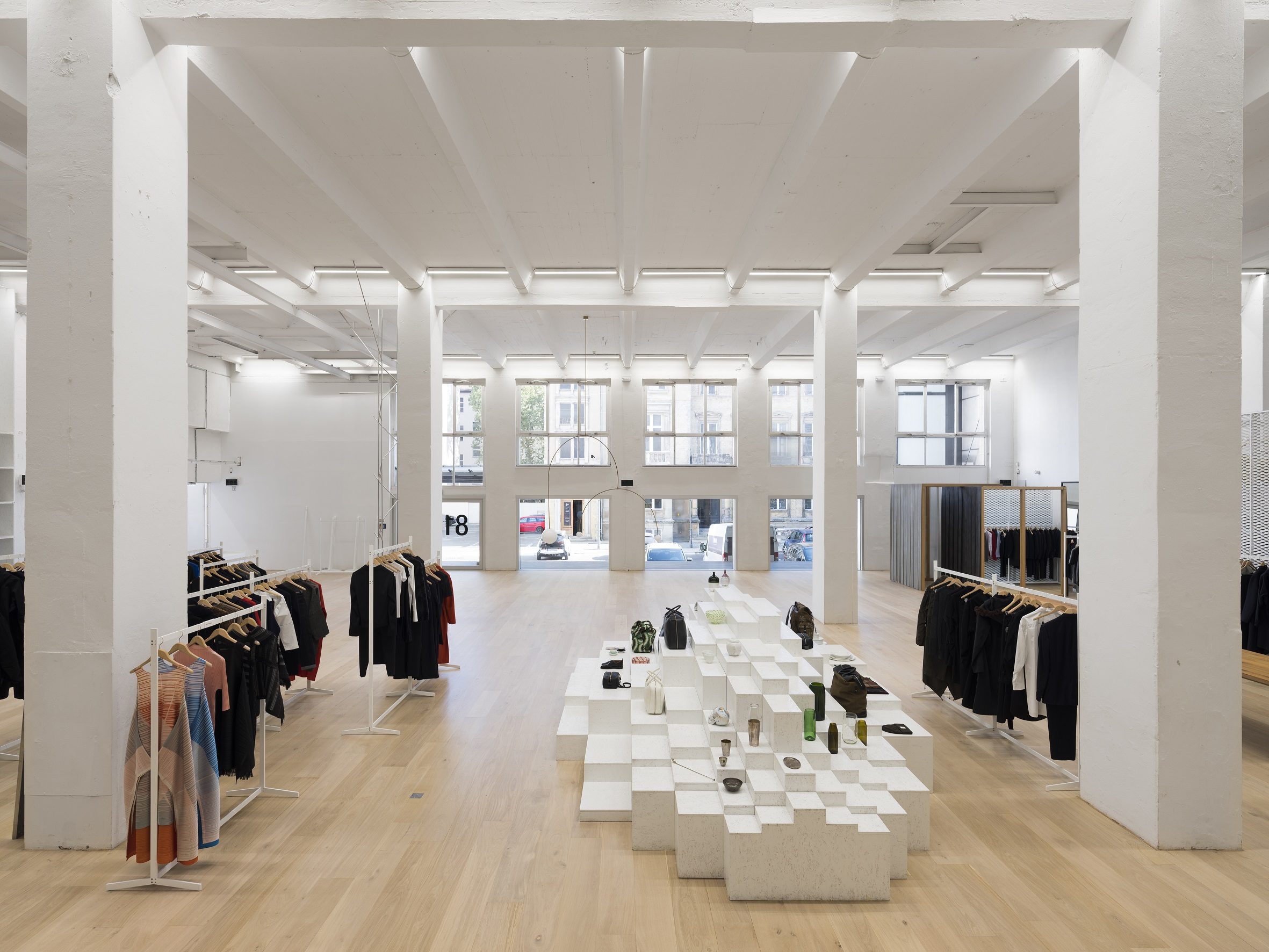 Andreas Murkudis store 3, copyright Thomas Meyer - Ostkreuz.jpg