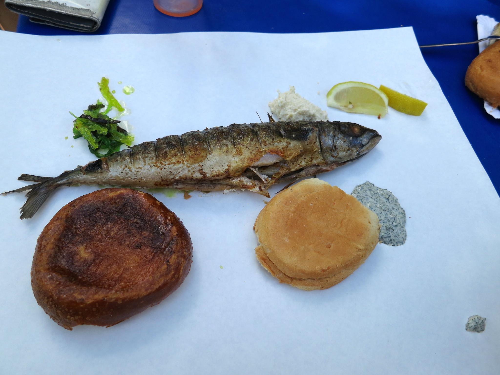 Winterfeldtplatz grilled fish under license CC BY 2.0 via Flickr user Alper Cugun.jpg