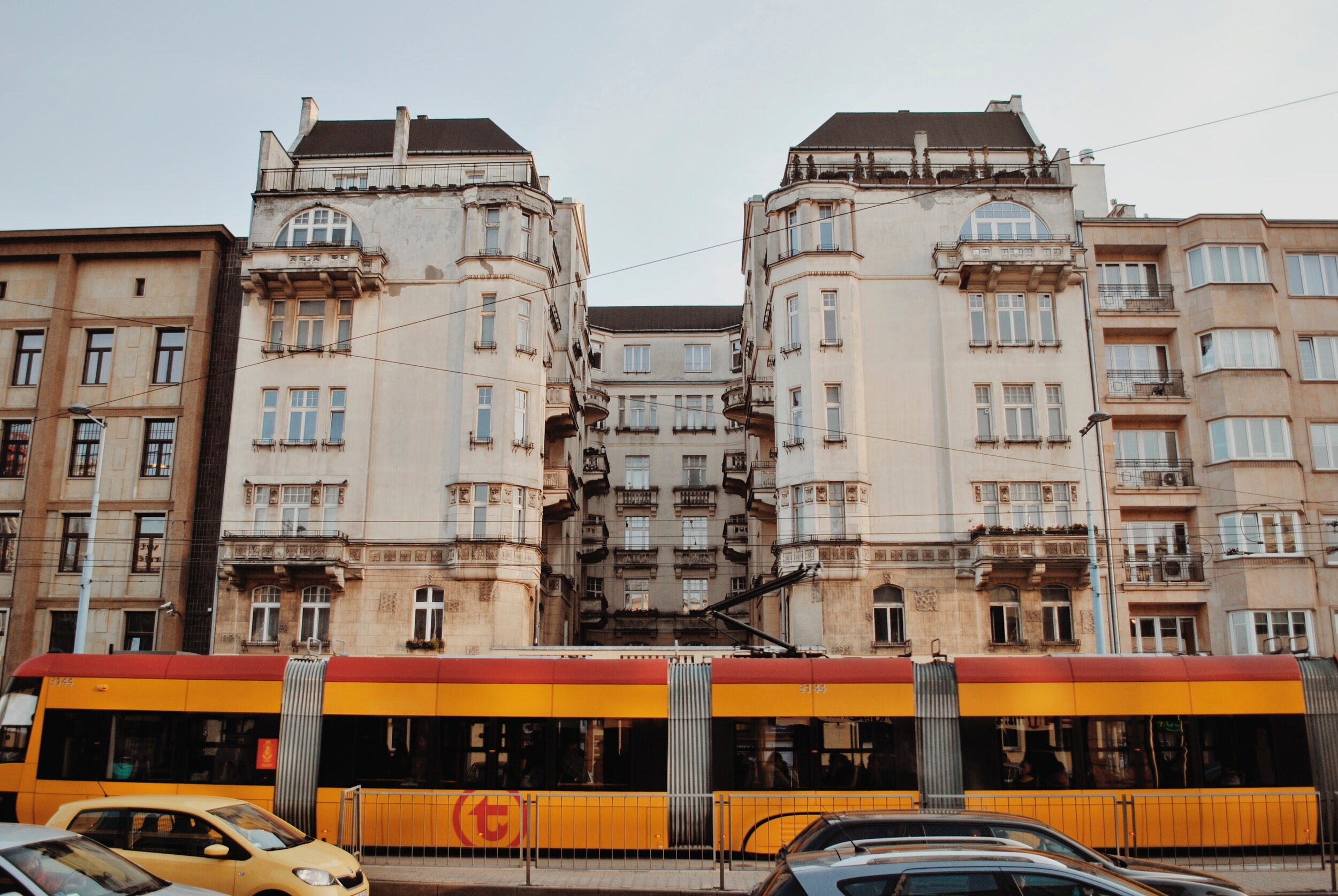 TRAVELING TO Warsaw - Hotel and travel information