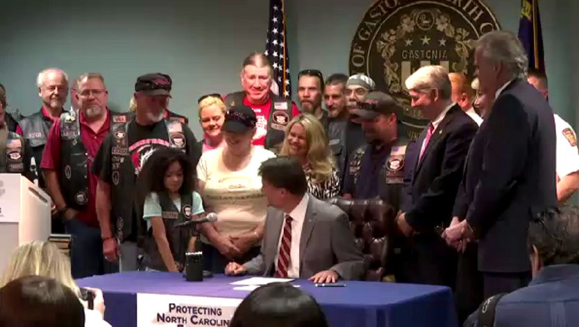 New Version of Jessica Lunford Act Signed Into Law - July 21, 2016 | Spectrum News