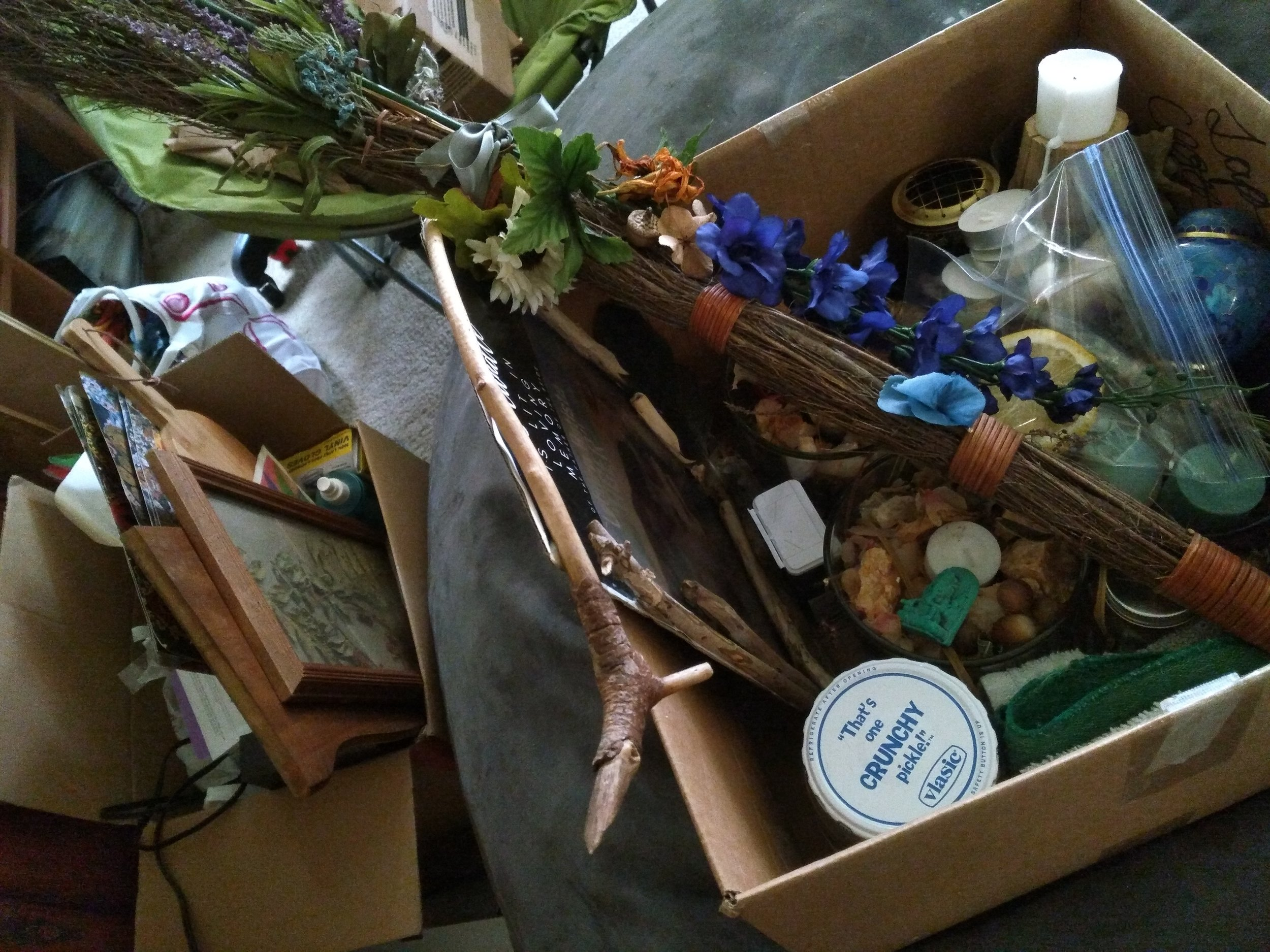 If you have a besom, be sure to pack that and bring it as well. Here again is something I made for my wedding day and decided to incorporate into my ritual. <3
