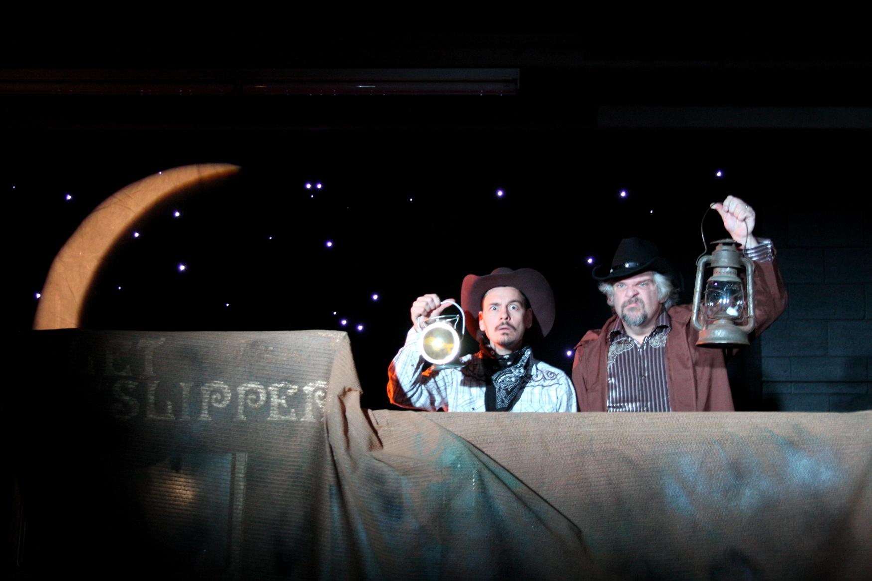 Kevin Lowry  as Oswald &  Jim Hitzke  as Ed