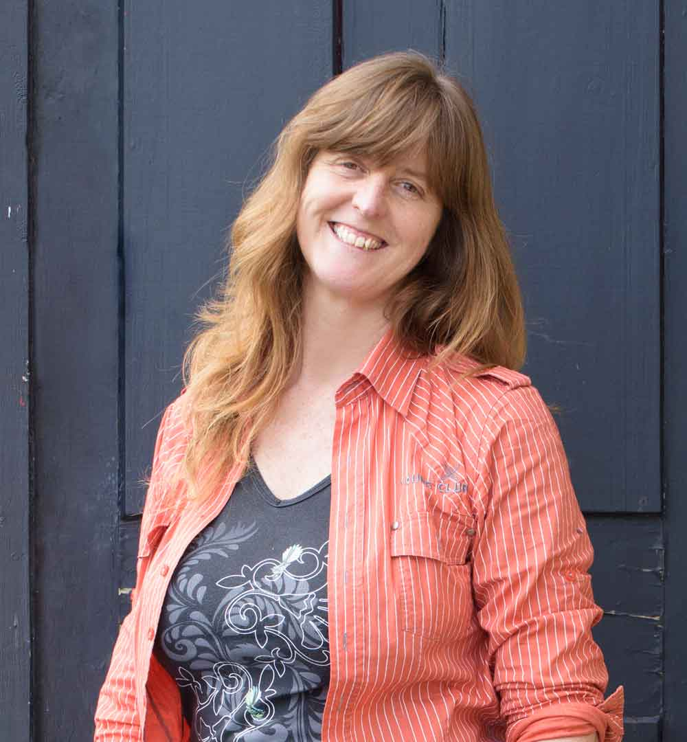 Angela Martin    Creative and Photographic Support