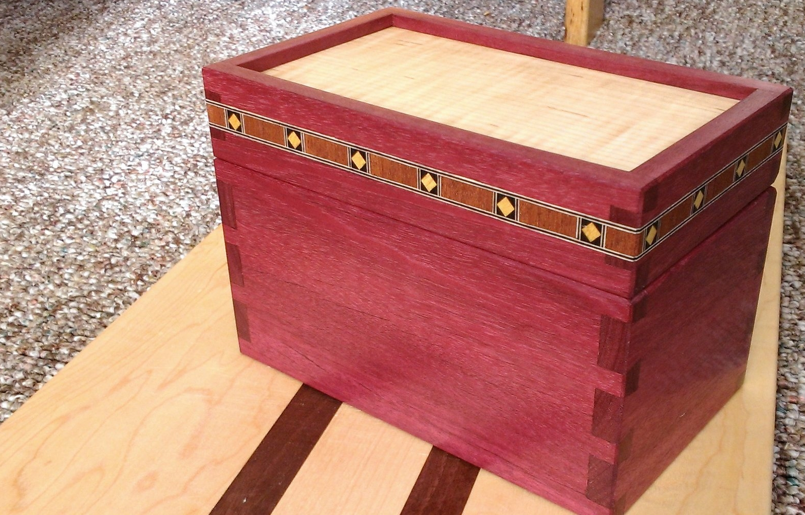 Dovetailed Recipe Card Box - Purple Heart and Maple with Diamond Shield Banding