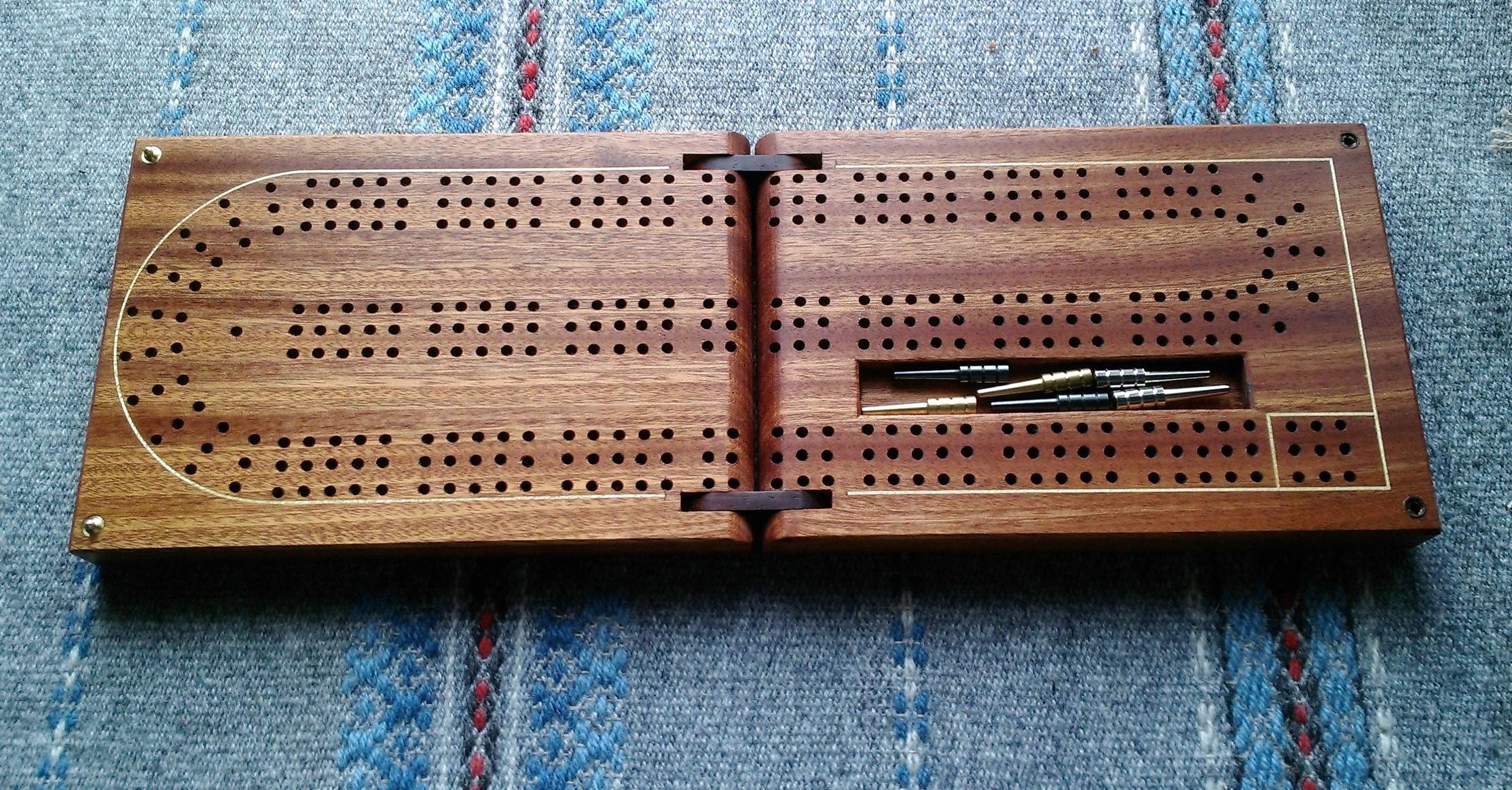 Cribbage Board - Khaya with Maple Inlay