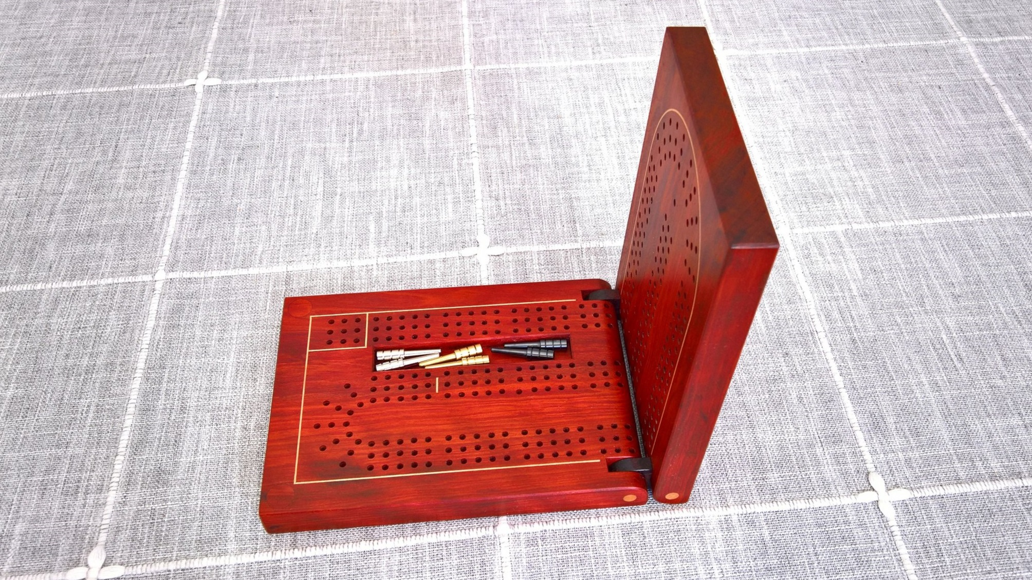 Cribbage Board - Red Heart with Maple Inlay and Cocobolo Hinges