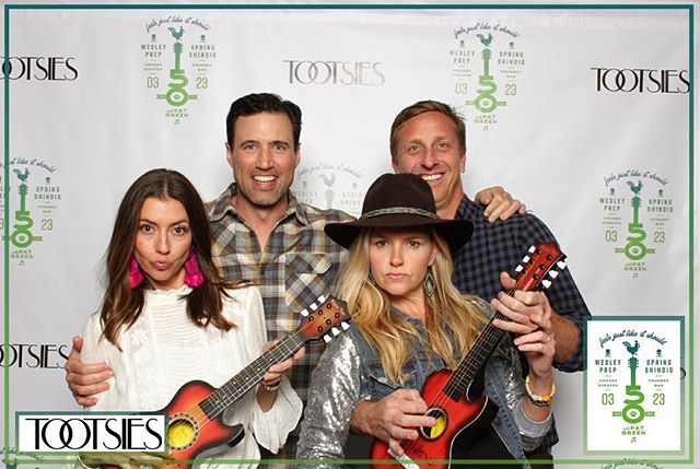 Photos are now up on our website from last nights fundraising event for @wesleyprep 🐾 with @patgreenmusic 🎵 Thanks for having us!  #dallasphotobooth #dallasfundraiser #foundrybar #thefoundrybar #patgreen #tootsiesdallas #dallasphotographer #dallasevents #dfwphotobooth #photoboothdallas #dfwphotography #dfwphotographer