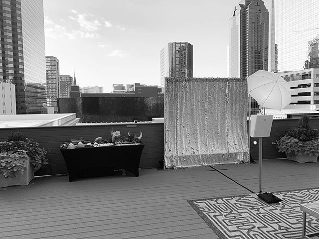 Black and white wedding attire calls for a b&w photo! Up on this gorgeous rooftop over the weekend for Rachel and Bailey's wedding and it was magical! 💕Photos up on our website - link in bio 📸