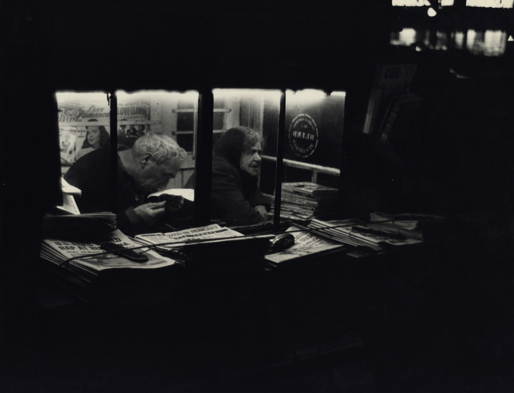 Dan Weiner,  Newsstand,  1950  Image courtesy of stevenkasher.com  Exhibition Dan Weiner: Vintage New York, 1940- 1959 on view at Steven Kasher Gallery